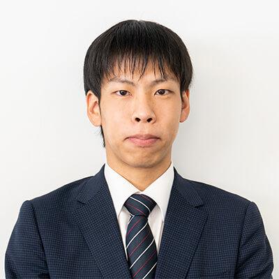 岡田 健吾の顔写真